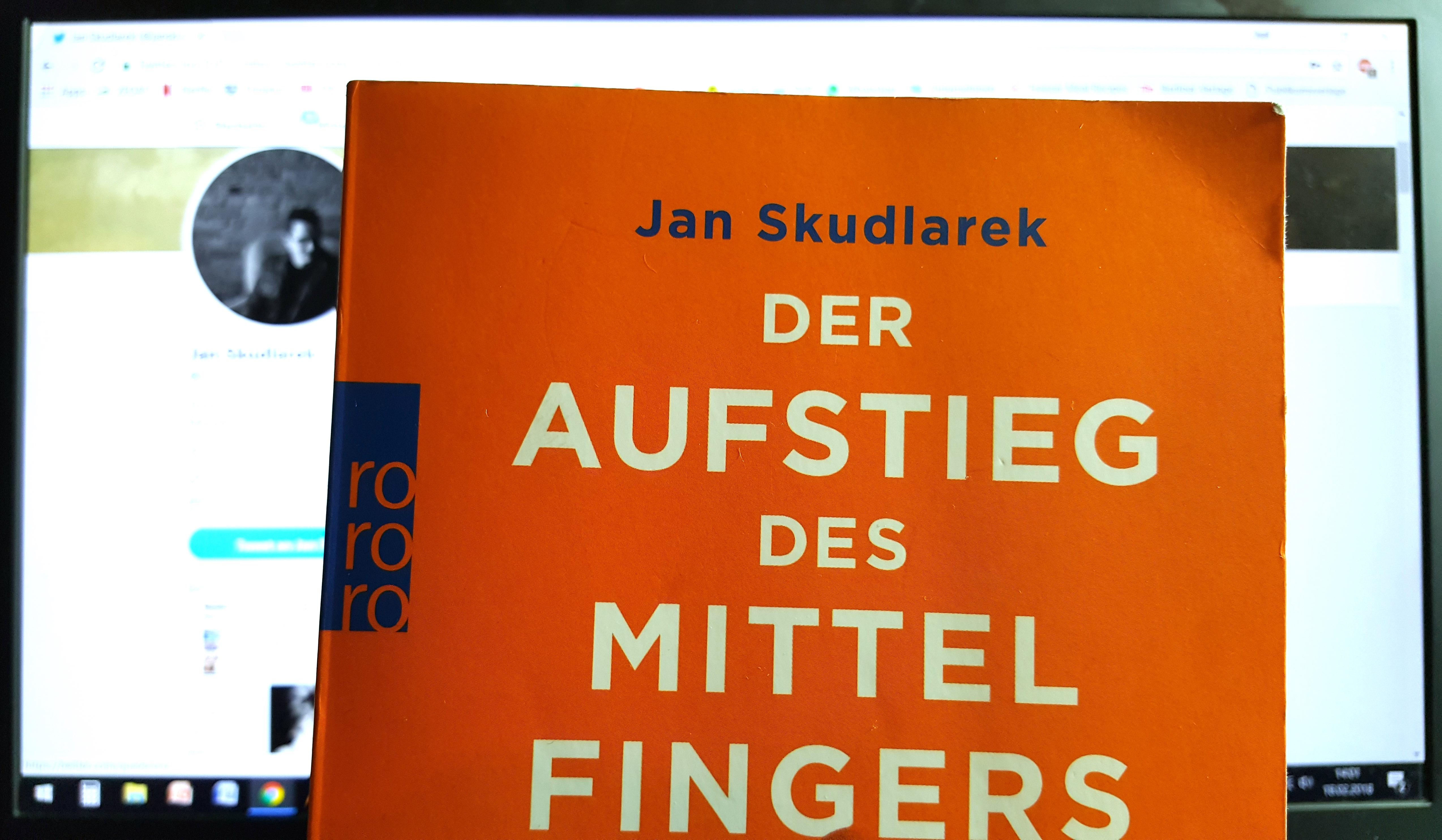 Jan Skudlarek: Der Aufstieg des Mittelfingers