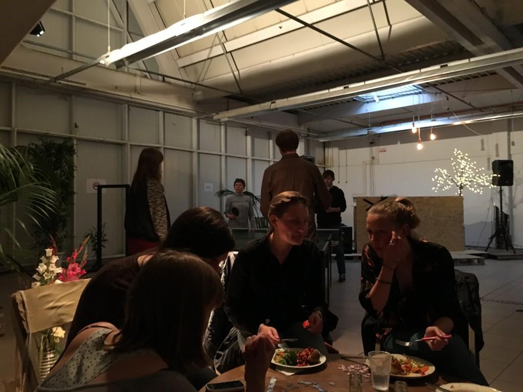 Abendessen im Festivalzentrum