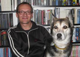 Christian Koch und Ladenhund Polly