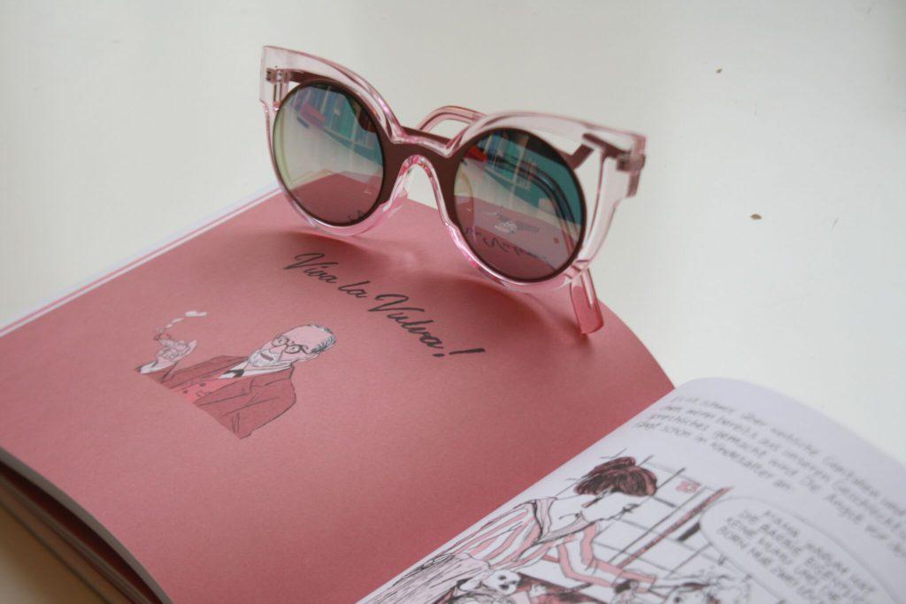 Die rosarote Brille weglegen. Vielfalt durch Lesen © Sofie Mörchen und Leonie Hohmann